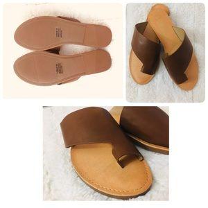 NWOT flip flops